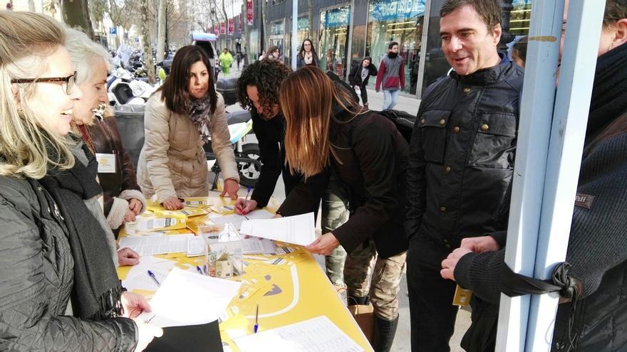 La asociación Hablamos español iniciará una campaña de recogida de firmas el 8 de septiembre para proteger el castellano