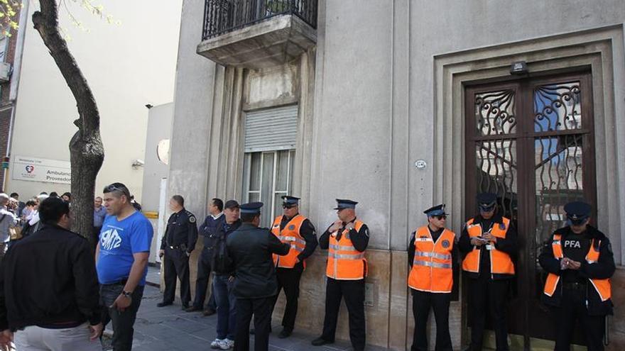 Desalojo de la protesta docente en Buenos Aires se salda con varios detenidos