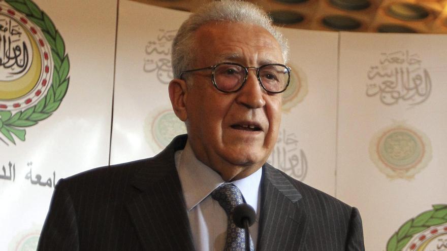 Brahimi dice que el conflicto sirio empeora por momentos y no espera un diálogo