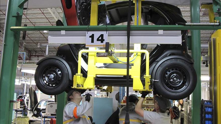 Los precios de importación industrial caen el 2,2 por ciento en marzo
