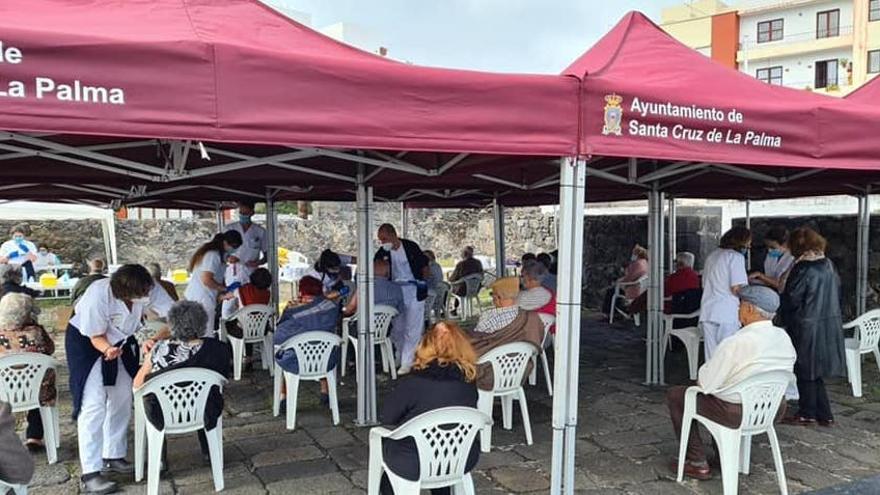 El Área de Salud instala un punto de vacunación temporal en El Castillete