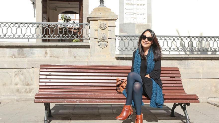 María Alemán, en la plaza de Santa Ana de Las Palmas de Gran Canaria. (ALEJANDRO RAMOS)