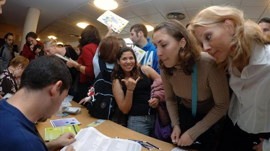 La CE pide otros 11.225 millones de euros para pagar facturas y becas Erasmus