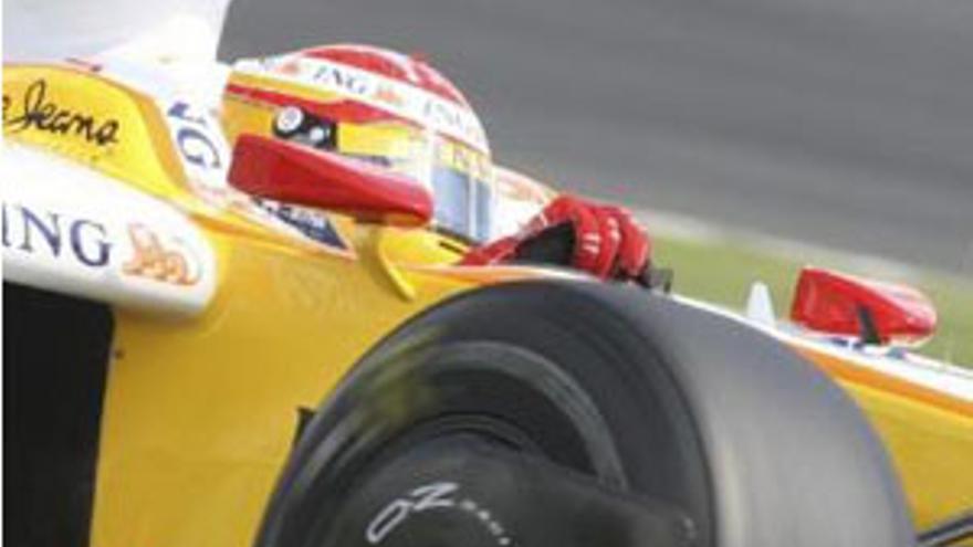 Fernando Alonso, en la sesión de clasificación del Gran Premio de Suzuka. (REUTERS)