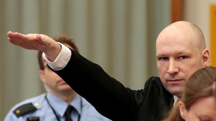 La Justicia noruega condena al Estado por trato inhumano a Breivik en prisión