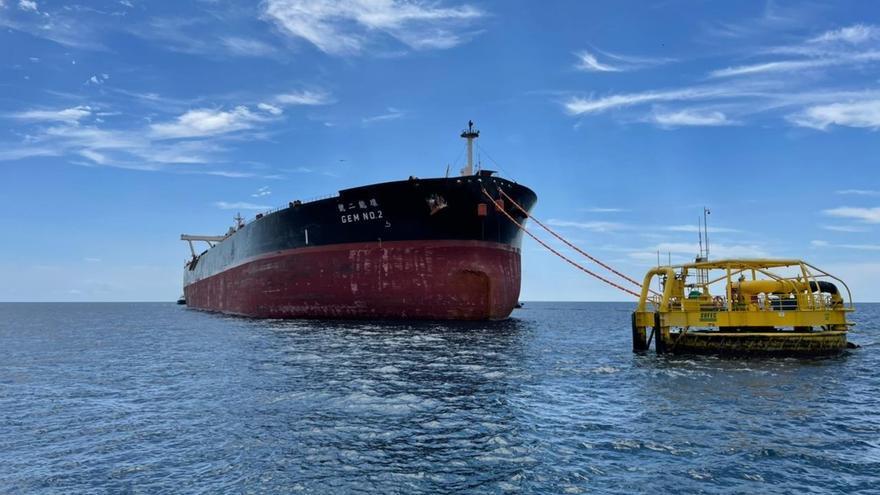 Ecuador exportó por primera vez crudo Oriente en un buque de alto calado