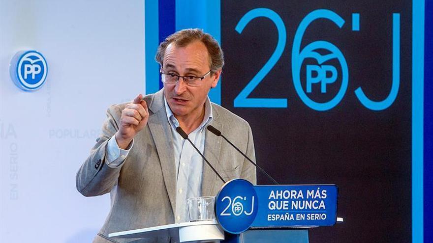 """Alonso emplaza a PNV y PSE a abandonar """"la ruptura"""" y a acercarse al centro"""