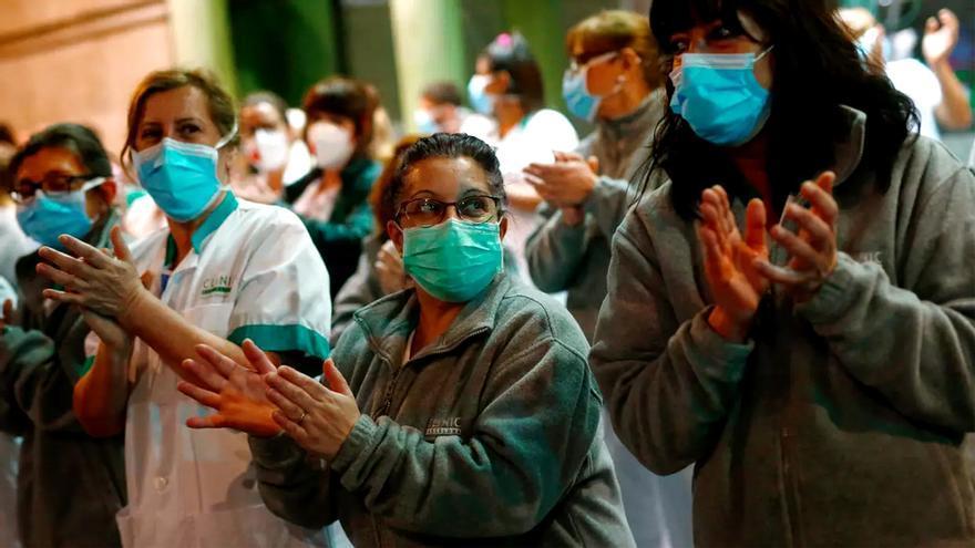 """Una imagen del """"aplauso sanitario"""" a las 20h"""