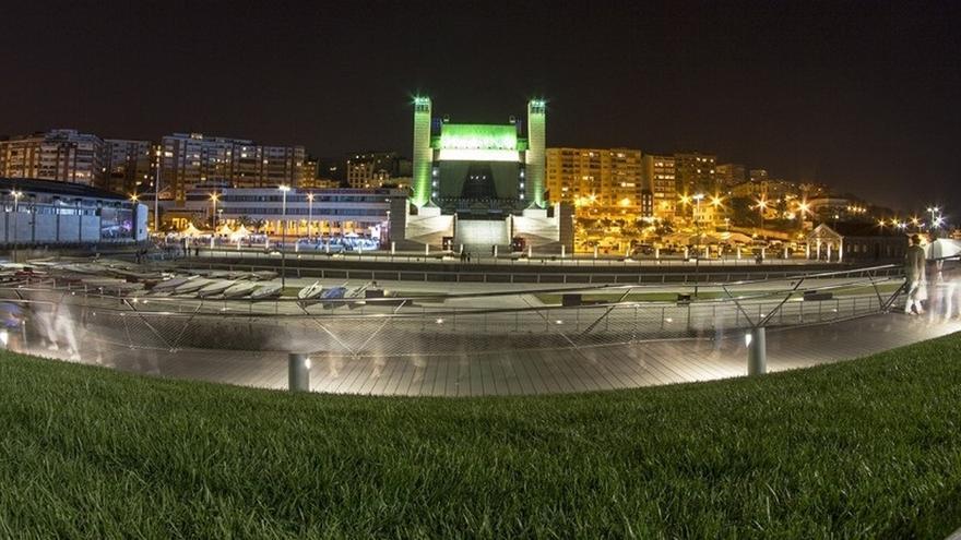 La terraza del Palacio de Festivales abre este viernes al público con un negocio de hostelería