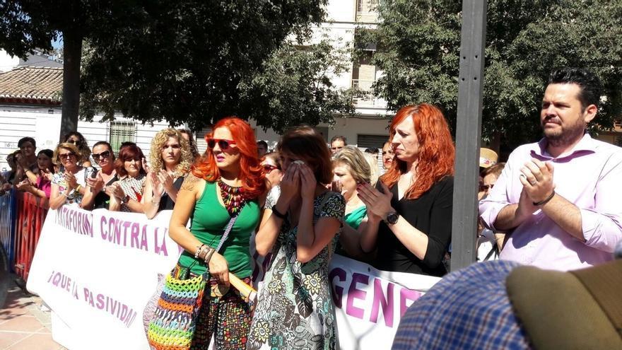 """Asociaciones de mujeres lamentan que TC rechace el recurso de Juana Rivas: """"Que no entregue los hijos al padre"""""""