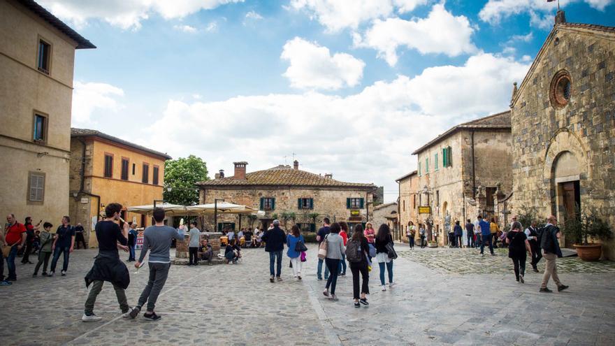 Plaza central de Monteriggioni.