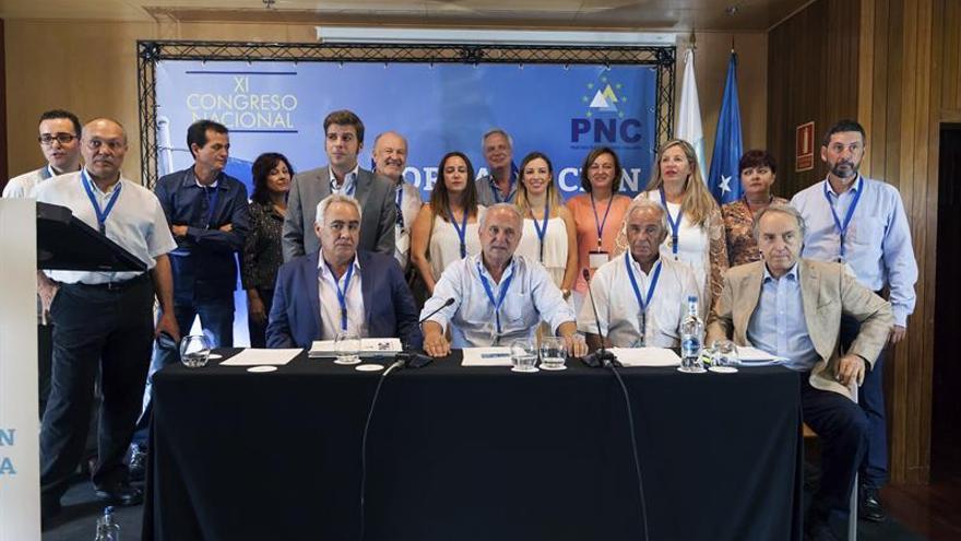 Foto de familia de integrantes del PNC, en el Hotel Escuela de Santa Cruz, este sábado