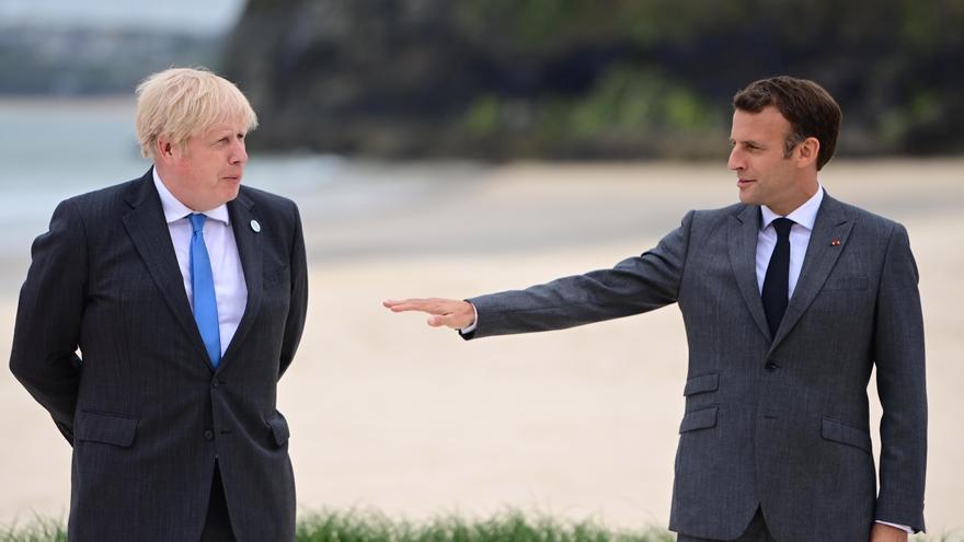 Macron: Johnson sabía que habría problemas con el protocolo de Irlanda del Norte