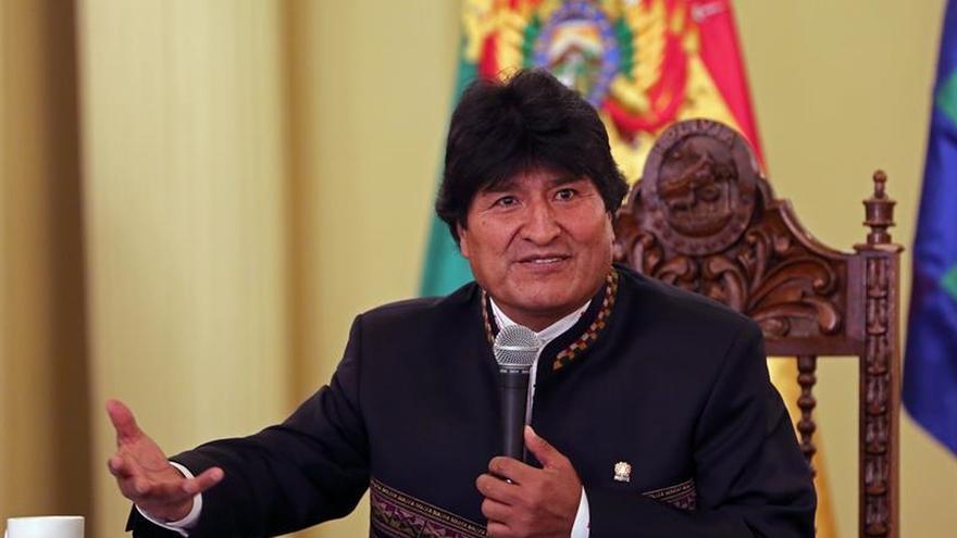 """Evo Morales reclama la """"descolonización"""" de nombres de las escuelas"""