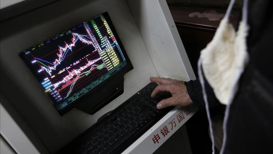 Shanghái abre a la baja y gana 0,27 por ciento en los primeros minutos