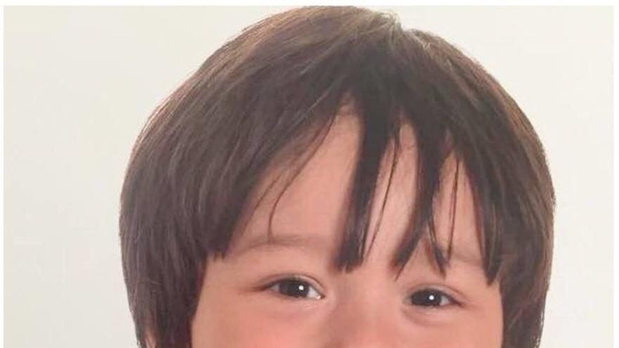 May revela que hay un niño británico desaparecido, que podría ser el que se busca desde Australia