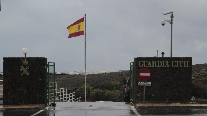 Entrada al cuartel de la Guardia Civil en Costa Teguise (Lanzarote).