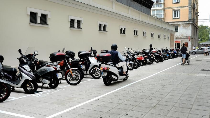 Nuevo estacionamiento de motos junto al Mercado del Este