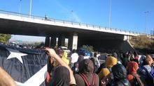 Los CDR cortan la A-2 y la AP-7 para conmemorar la DUI y tratar de dificultar los accesos a la marcha de SCC