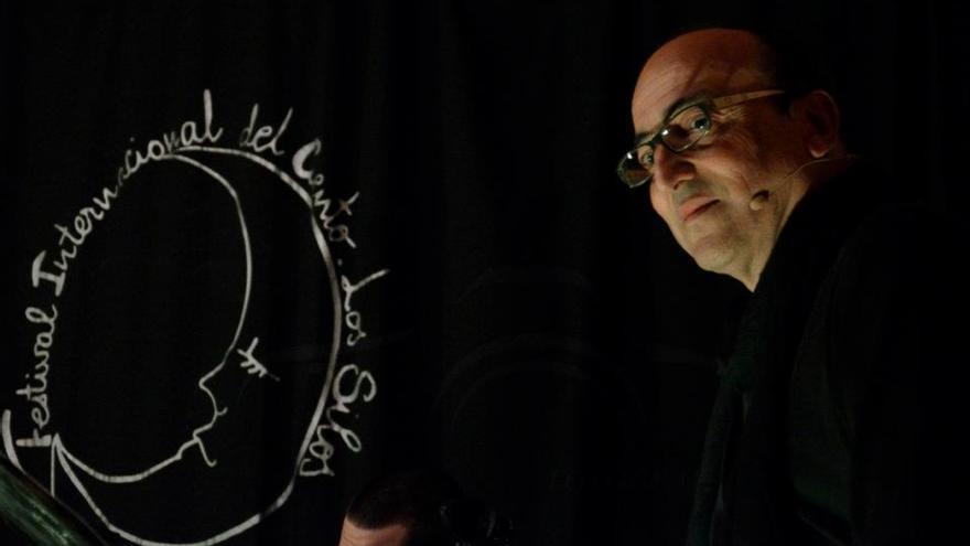 El narrador Ernesto Rodríguez Abab es el director del Festival del Cuento de Breña Alta.