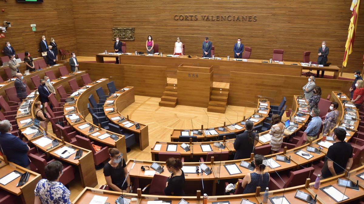 El pleno de las Corts Valencianes que ha elegido a los miembros del Consell de l'Audiovisual.