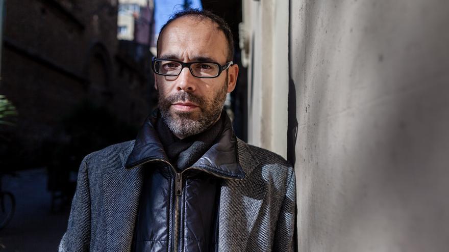 El escritor Gabi Martínez. /ENRIC CATALÀ