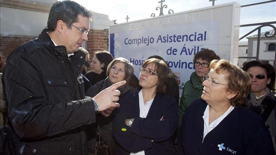 """Óscar López espera que Rajoy y PP tengan """"altura de miras"""" para hablar paro"""