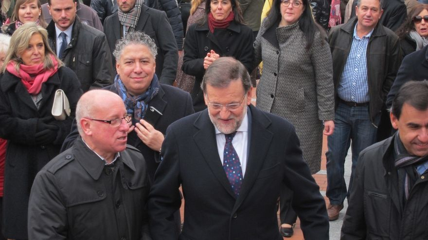 Alfonso Centeno, Mariano Rajoy y Fernando Martínez Maíllo, en Olmedo en la precampaña del 20D.