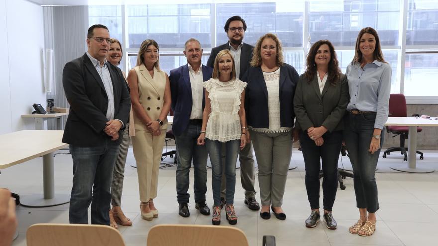 La presidenta del PP de Canarias, Australia Navarro registra las candidaturas al Congreso y el Senado por la provincia de Las Palmas.