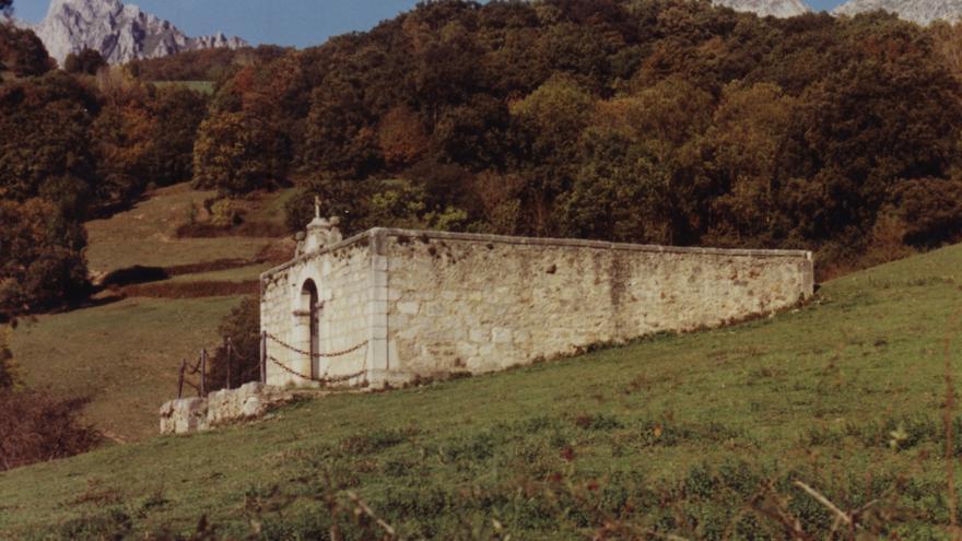 Cementerio de Castro de Cillorigo.   DESMEMORIADOS