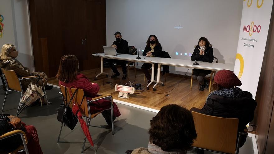Presentación del documental 'Alegrías', realizado por personas sin hogar, sobre Triana