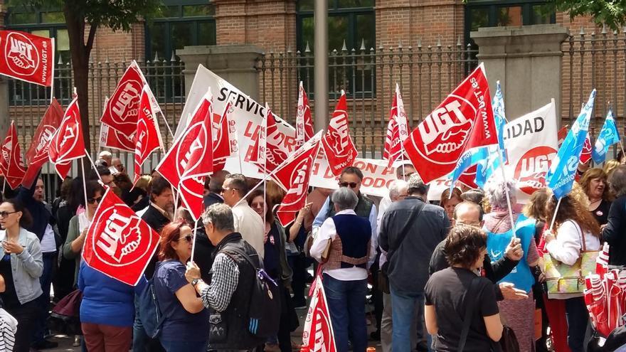 Concentración en Madrid en apoyo a los trabajadores en el centro de menores de Hortaleza.