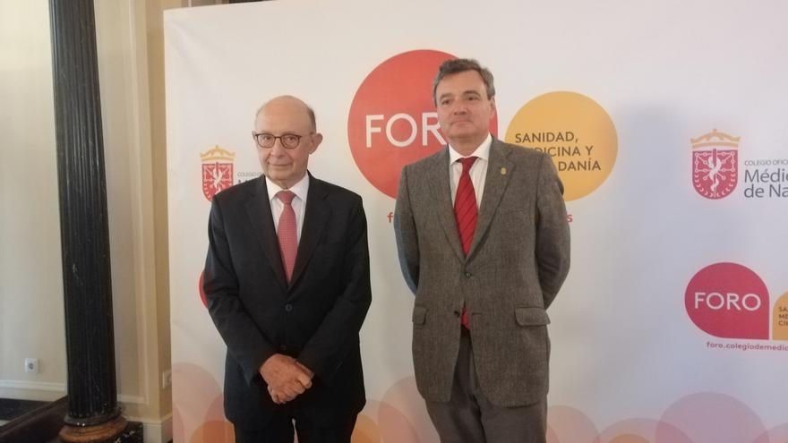 """Cristóbal Montoro destaca que """"se está demostrando"""" que sus Presupuestos """"favorecen el crecimiento económico"""""""