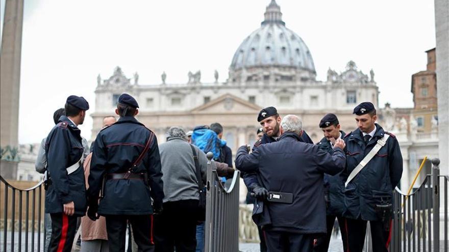 Comienza el juicio contra un sacerdote español y dos periodistas en el Vaticano