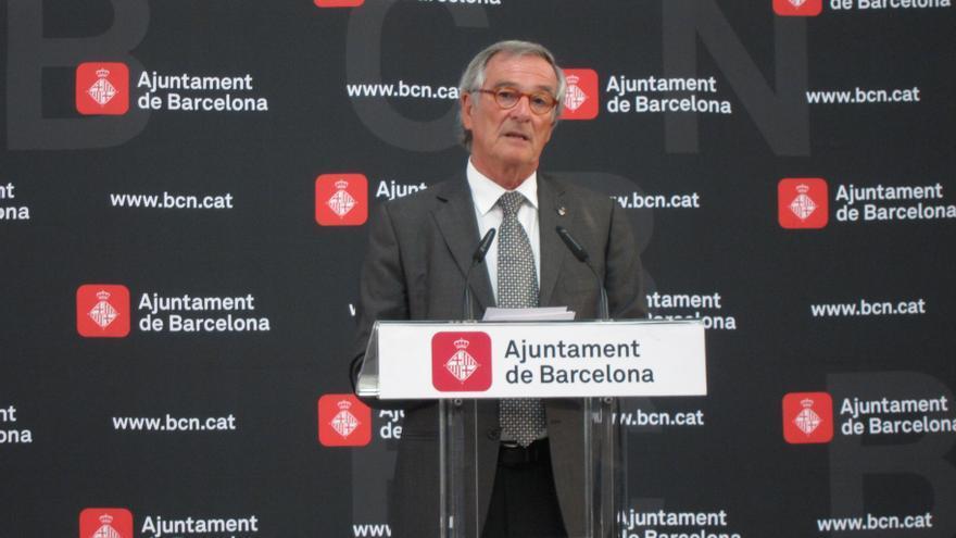 """El alcalde de Barcelona prevé una marcha """"extraordinaria"""" y avala la pancarta independentista"""