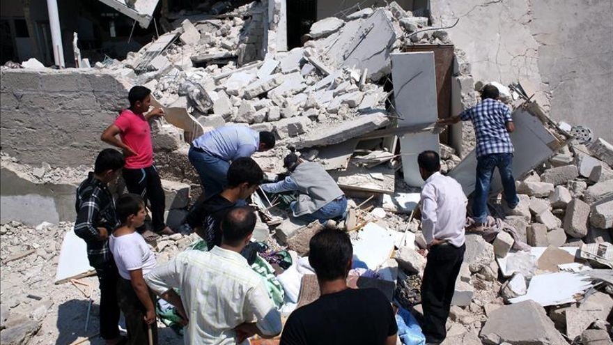 Casi 400 muertos en 10 días por un millar de bombardeos del régimen en Siria