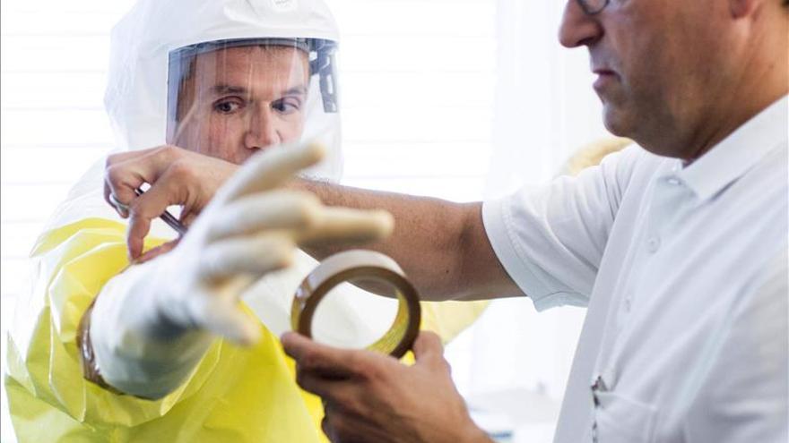 EEUU envía un equipo de funcionarios sanitarios para tratar el ébola en Liberia
