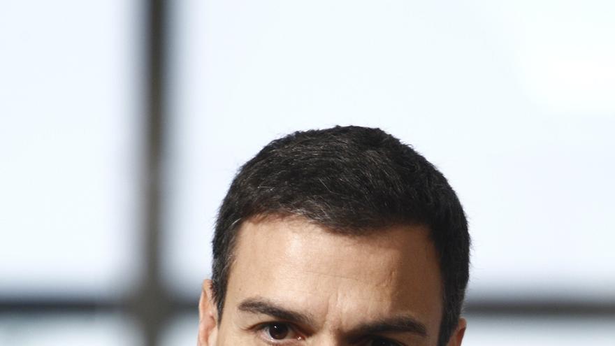 IU propone al PSOE que quite las letras 'S' y 'O' de su nombre igual que ha hecho Pedro Sánchez en su web