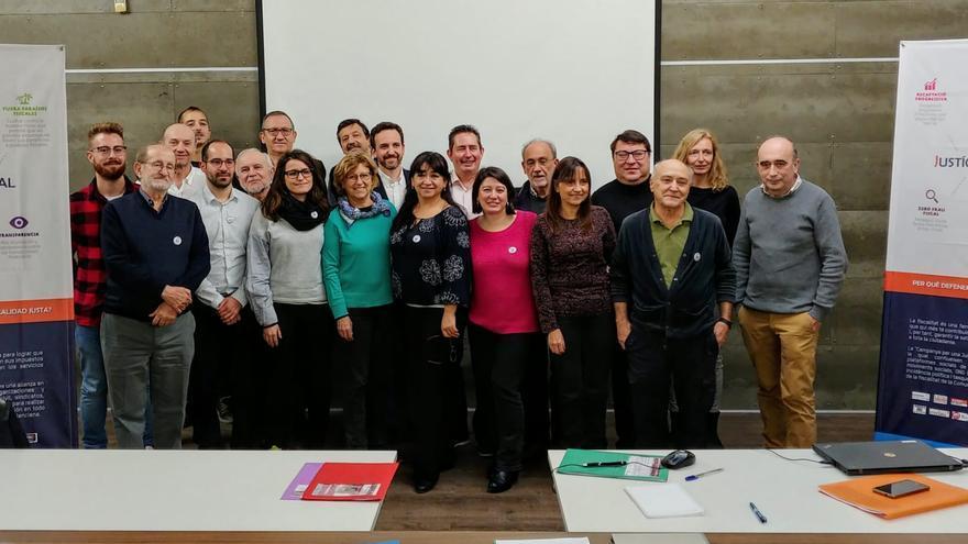 Representantes de diferentes plataformas por la Justicia Fiscal en España reunidas en Valencia.