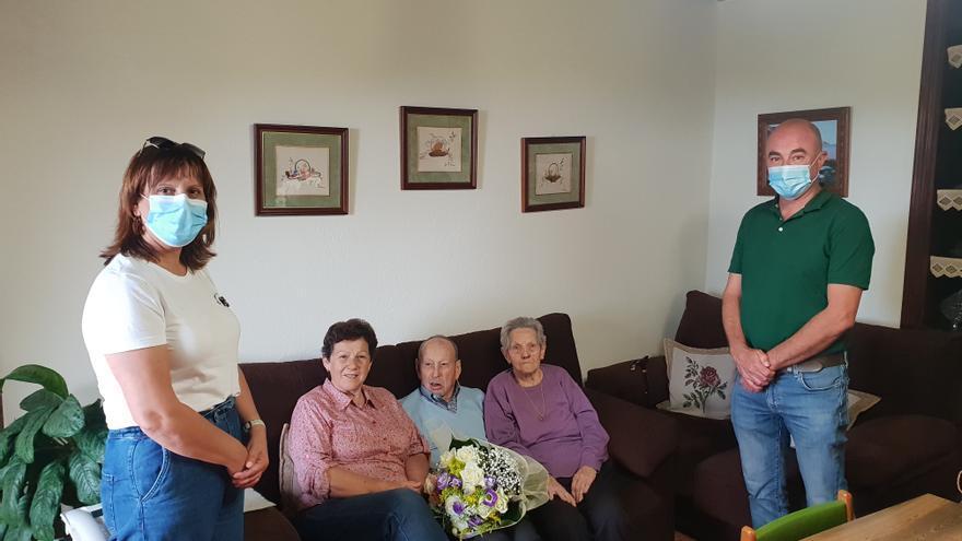 Puntallana celebra los 100 años del vecino de La Galga Laureano Cabrera Bethencourt