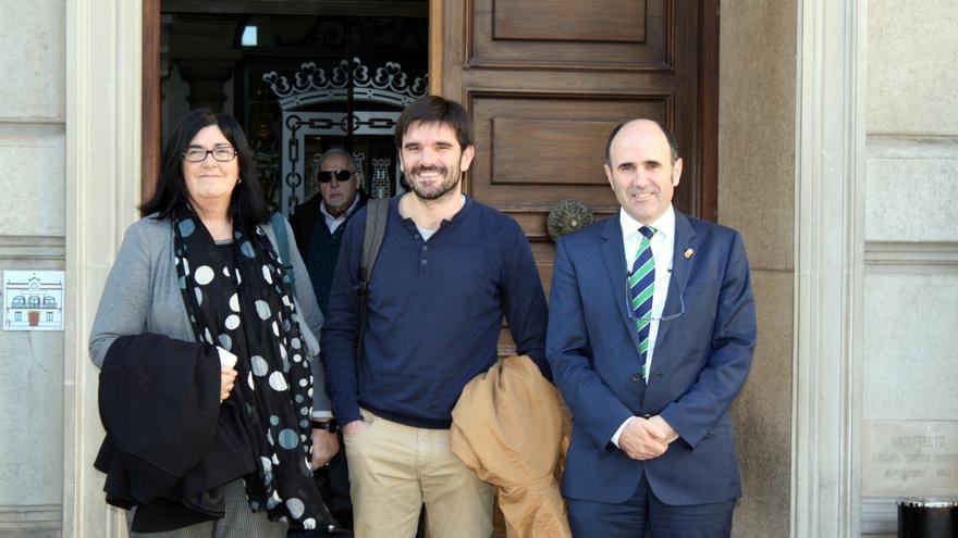 El vicepresidente Ayerdi analiza con empresarios de la Ribera la situación económica de la zona