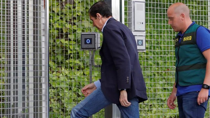 Zaplana y los otros 6 detenidos pasan hoy a disposición judicial en Valencia