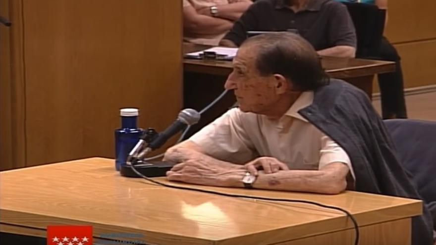 El doctor Eduardo Vela comparece en el primer juicio que se celebra por un caso de bebés robados