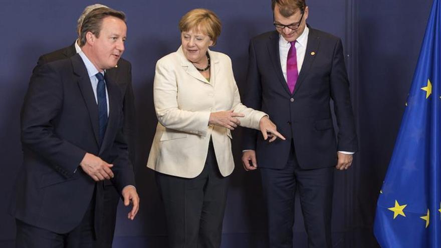 Los líderes europeos comienzan su cena en la que pedirán explicaciones a Cameron