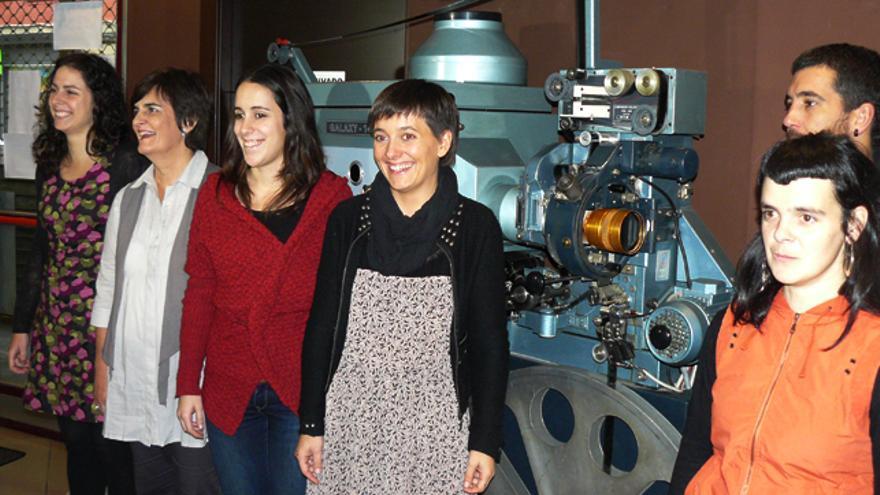 La organización de la feria de Durango posa en las instalaciones del cine Zugaza. /G. A.