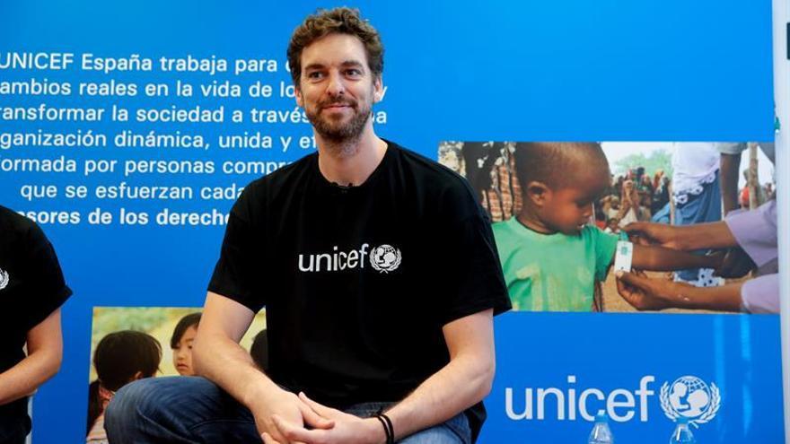 Pau Gasol pide que se proteja a los niños desarraigados en el mundo