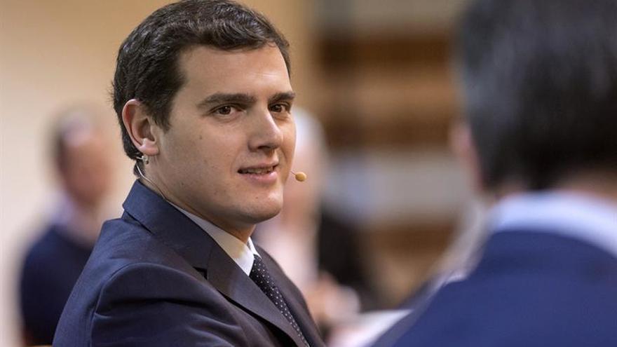 Rivera: la dimisión de Trillo no es tal, llega tarde y mal y sin perdón