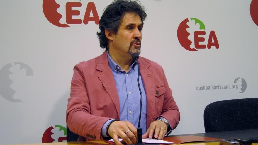 Pello Urizar presenta su dimisión como secretario general de EA
