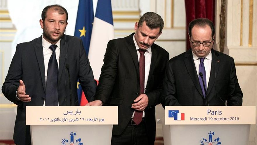 """Hollande dice que se esforzará al """"máximo"""" por una tregua duradera en Alepo"""