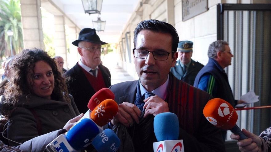 """El alcalde de Granada confía en el archivo de la causa y dice que no se trata de un caso de """"corrupción"""""""